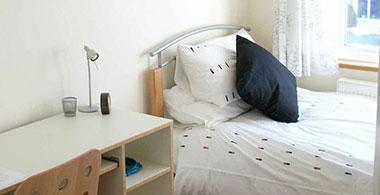 Viaggi studio a Londra con sistemazione in famiglia o residence o ...